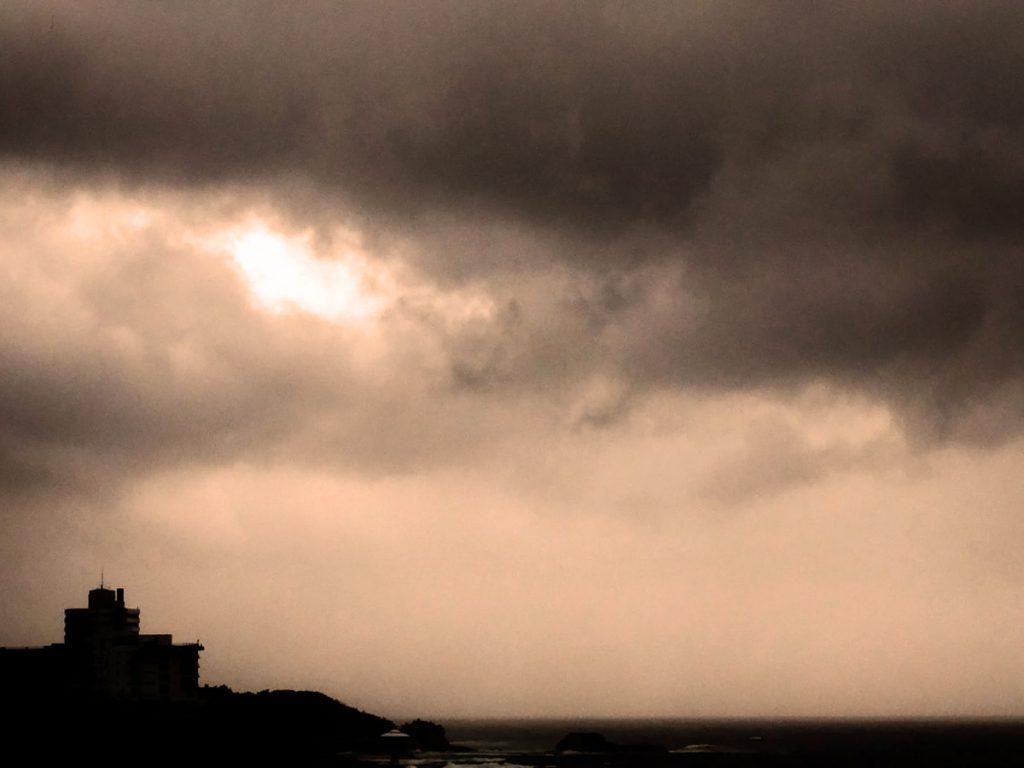 曇りの日(ウォームカラーバージョン)