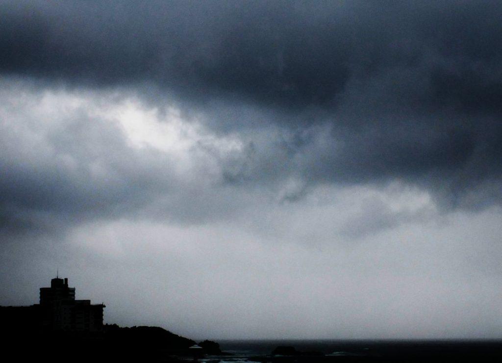 曇りの日(コールドカラーバージョン)